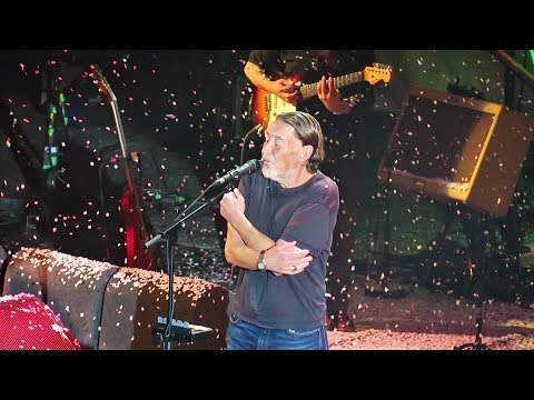 Chris Rea - Driving Home for Christmas (Live at Hammersmith Apollo 2017)